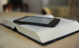 Обычная книга и электронная